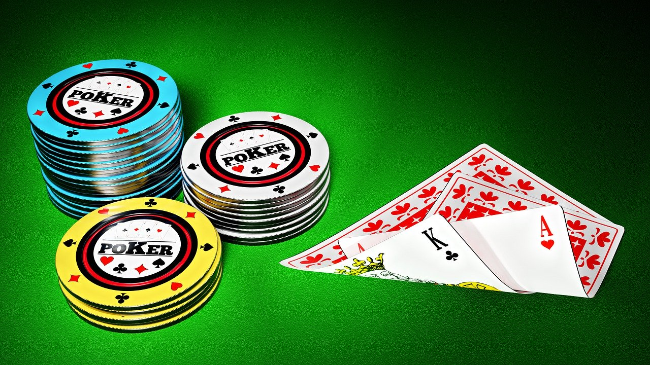 Why is Online Poker Popular?